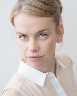 Jen actors headshot