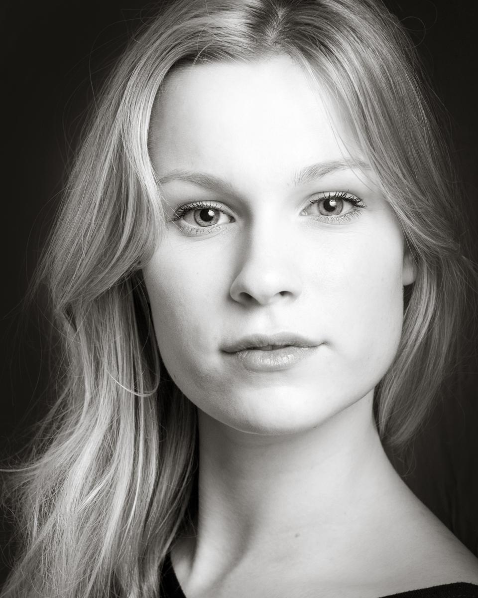 Heidi Parsons actor headshot
