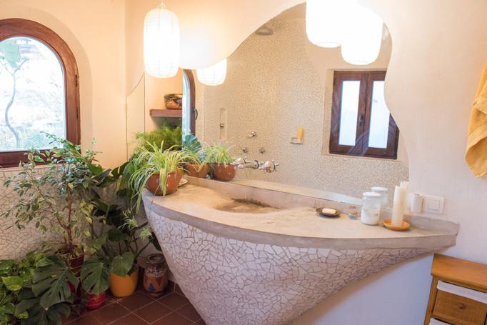 Mosaic  and concrete sink, Casa Isadora