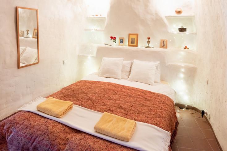 Cave-bedroom-2.jpg