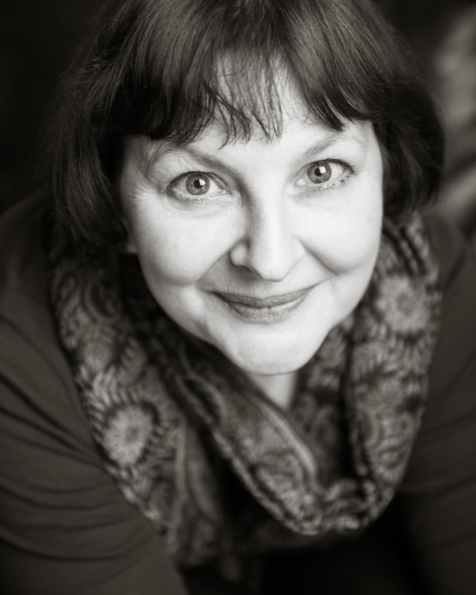 Catherine Barrett actor headshot