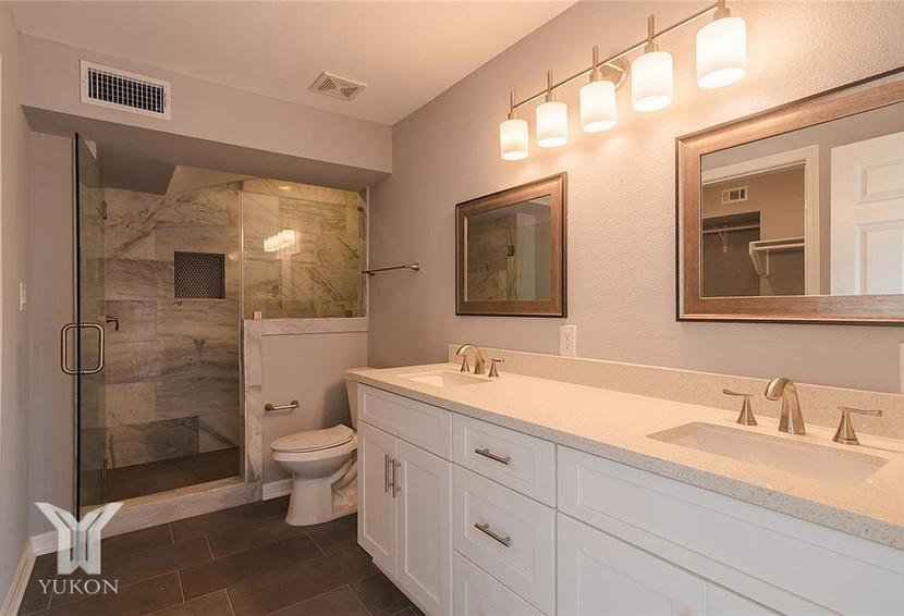 Bathroom Y 3.jpg