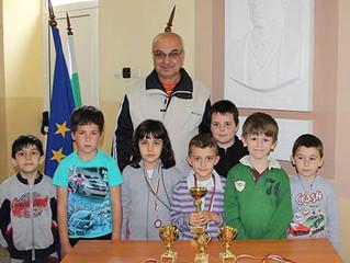 Шахматистите от първи клас - областен първенец