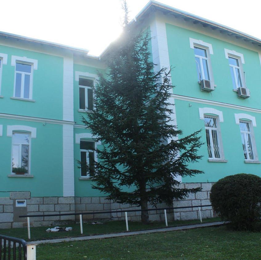 Обновено училище