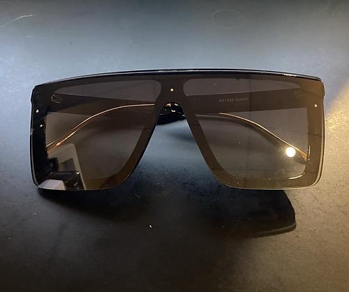 Classy Vintage Style Square Sunglasses- Black & Green Arm