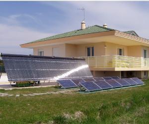 pannelli-solari-fotovoltaici-giardino.jp