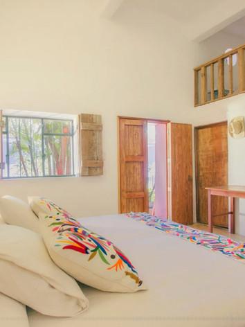 Escalera Room