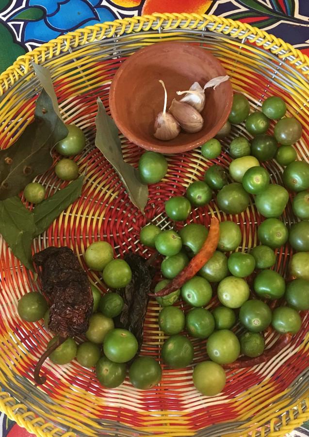 miltomate or tomatillo