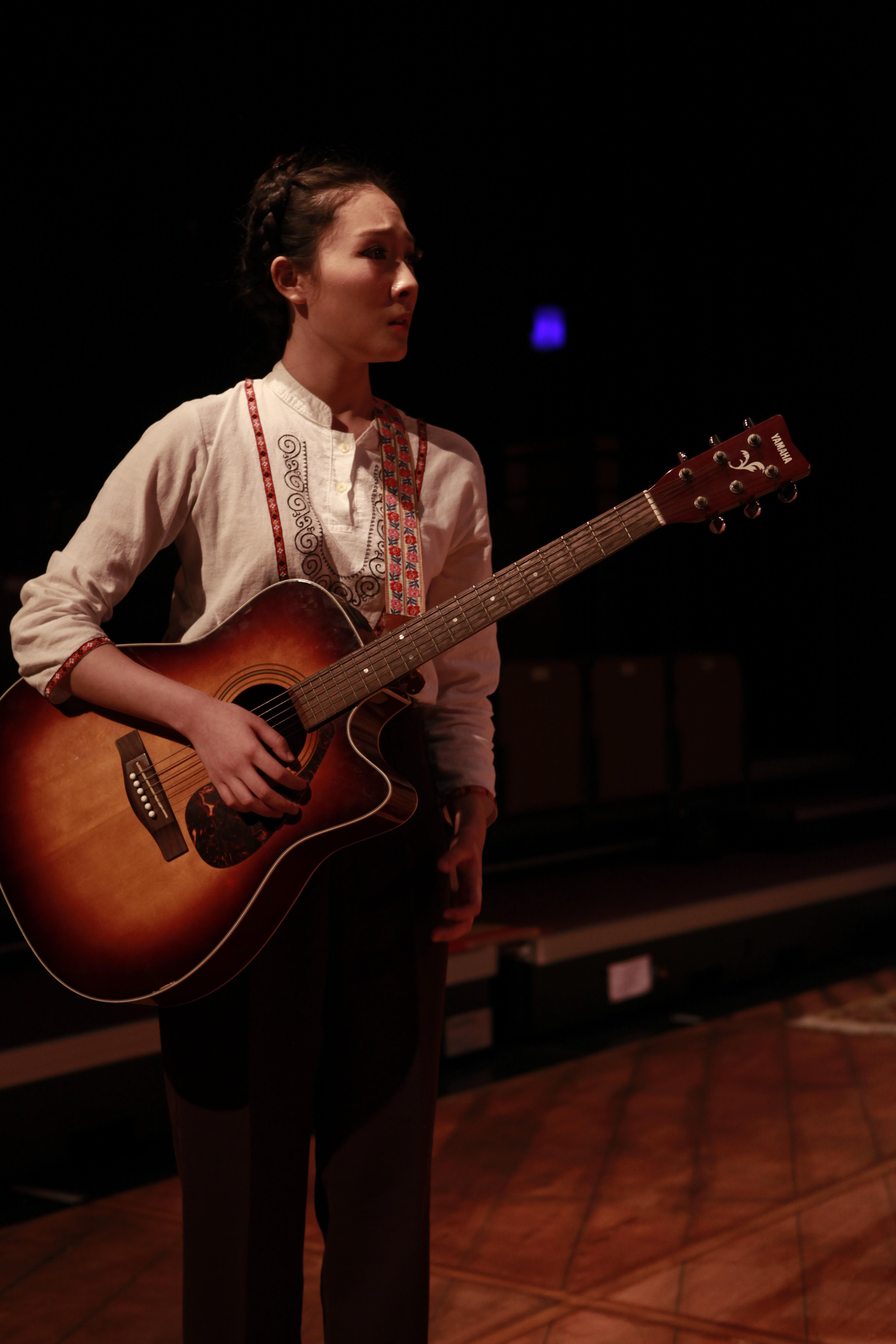 Singing Scene