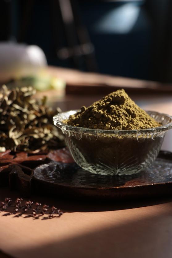 Henna Leaves & powder