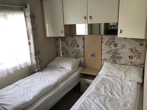 ST201A BED 2.jpg