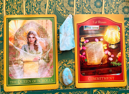 Weekly Tarot: Queen of Scrolls and 1 of Roses