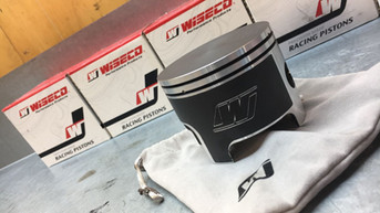 Wiseco Pistons Ready for Install
