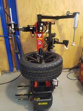 Leaverless Tyre Machine