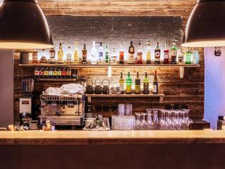 Industrieleuchten für die Bar