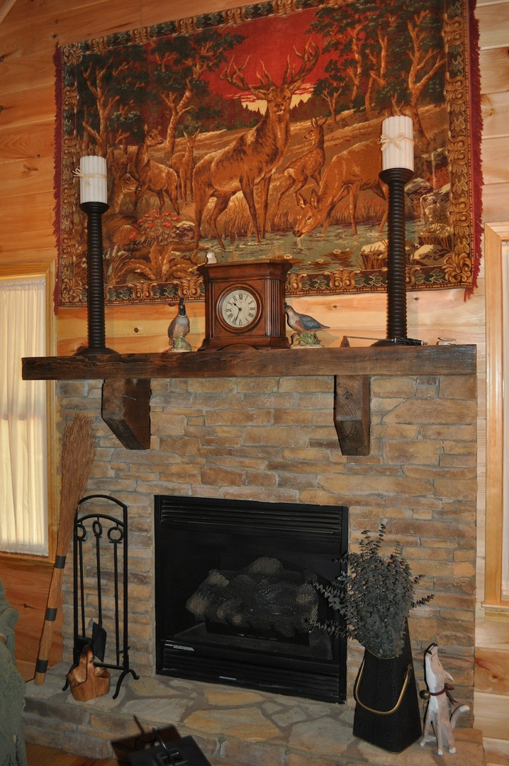 Antique_Heart_Pine_Mantel_w_Corbels.jpg