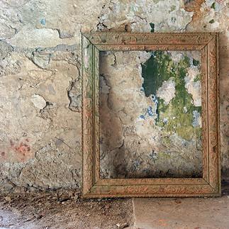 Old-Picture-Frame_cropB.jpg