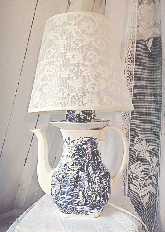 ** SOLD ** Lamp Wedgewood