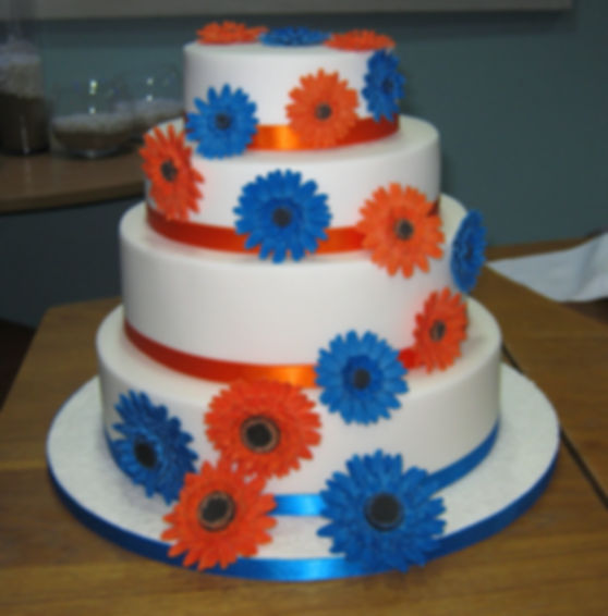 gerbera wedding cake.jpg