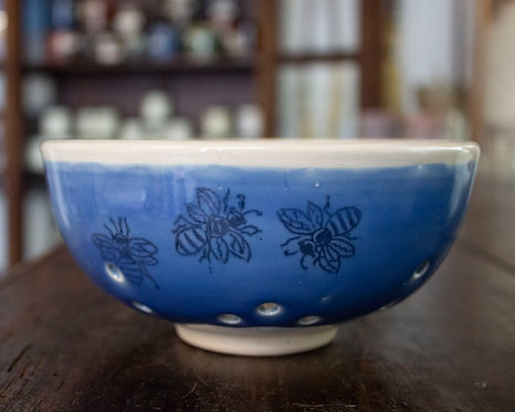 Bee Berry Bowl-Doris Blum