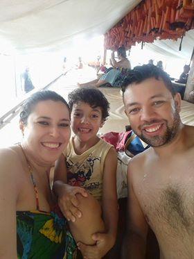 Natacha Arantes e família.