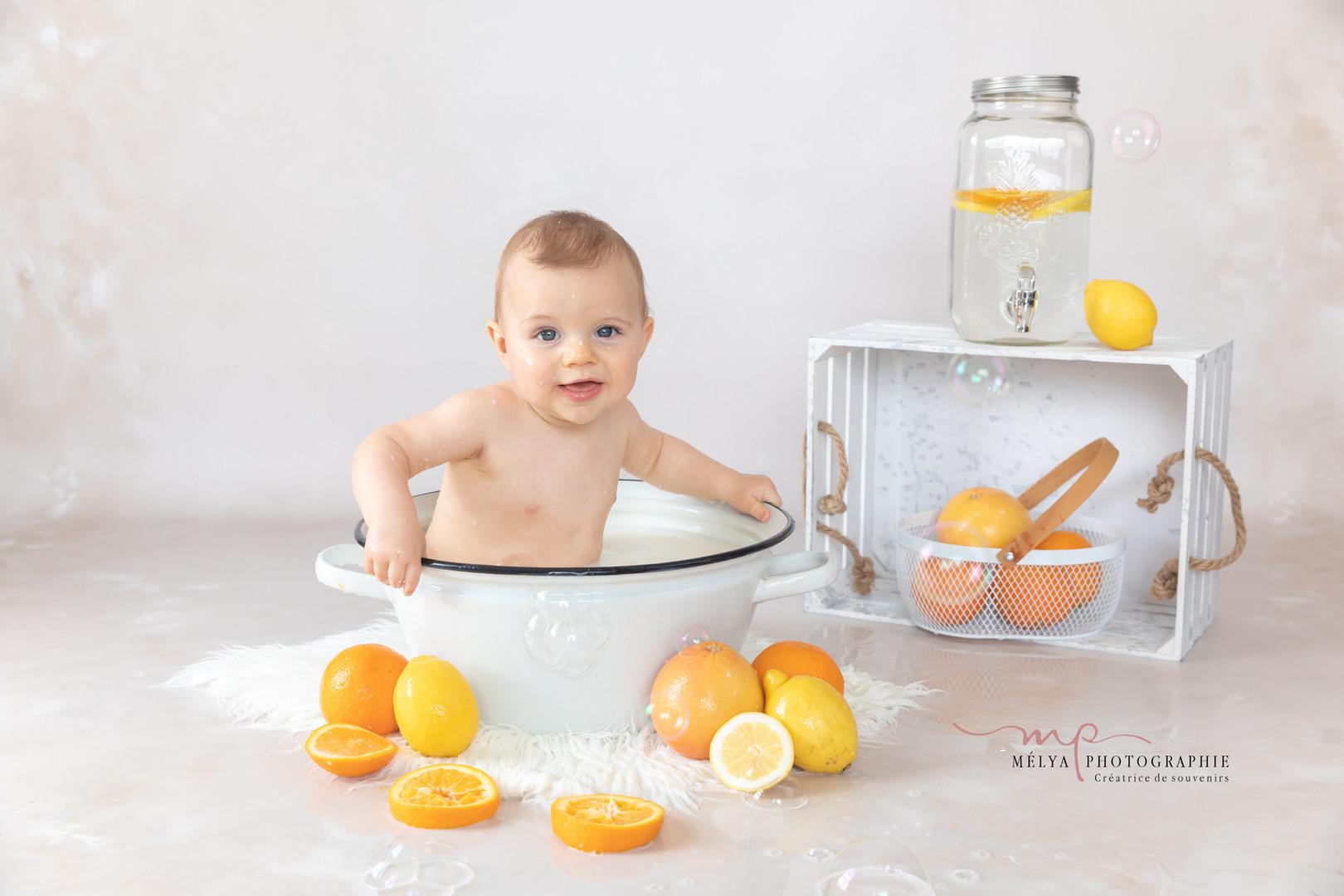 séance photo bébé bain de lait