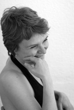 Frauen Portraits_ Nadine Grenningloh 021_edited