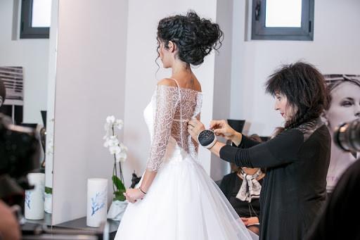 Elisabetta Polignano mentre segue una sposa