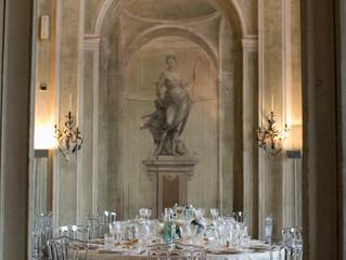 Il placement, ovvero come accomodare i tuoi invitati a tavola. Scenari possibili ai tempi del Covid.