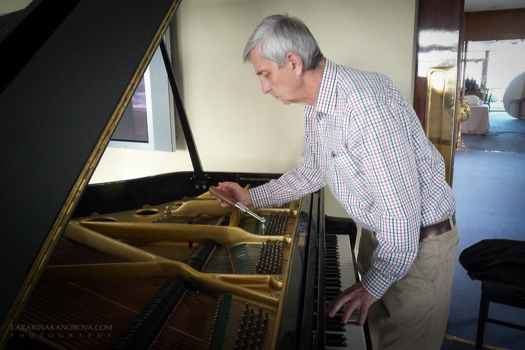 Afinador de pianos Madrid-Afinapianos-5.jpg
