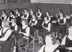 1945 A Commercial Class - Typewriting