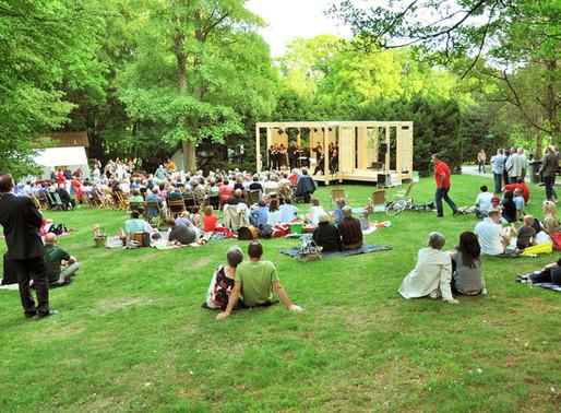 ...die Bühne im Park seit 7.5.2011