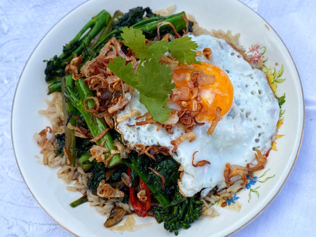 NOT SO DIRTY MORNING GLORy.greens,RICE AND CRISPY EGG.