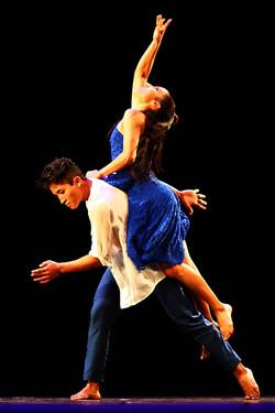 Danzas de la Media Luna / Cecilia Lugo