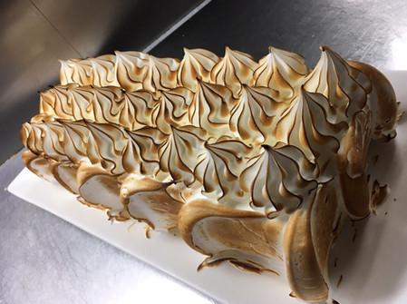 メレンゲのケーキ