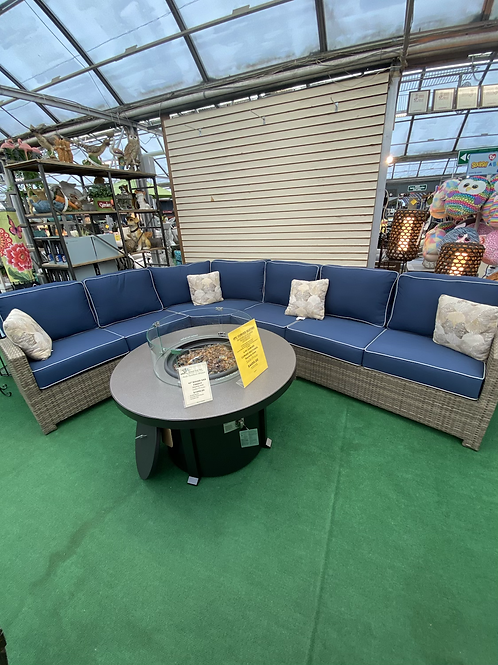 4 Pc Curved Seating Group