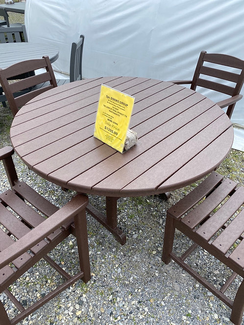 """48"""" Round Dining Group with 2 Arm Chairs/2 Dining Chairs"""