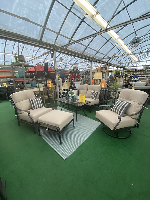 6 Pc Seating Group ( Extra sofa cushion arriving in July )