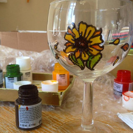 Custom order in progress... I've really loved creating this set of 4 wine glasses with #su