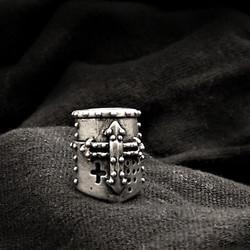 Silver Cusader Helm Bead