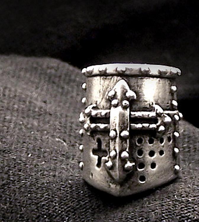Crusader Helm SilverA