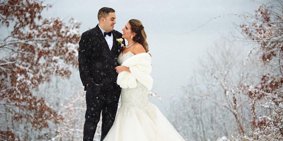 Gorgeous and elegant snowfall wedding, by  Xenia Helix Photograhy