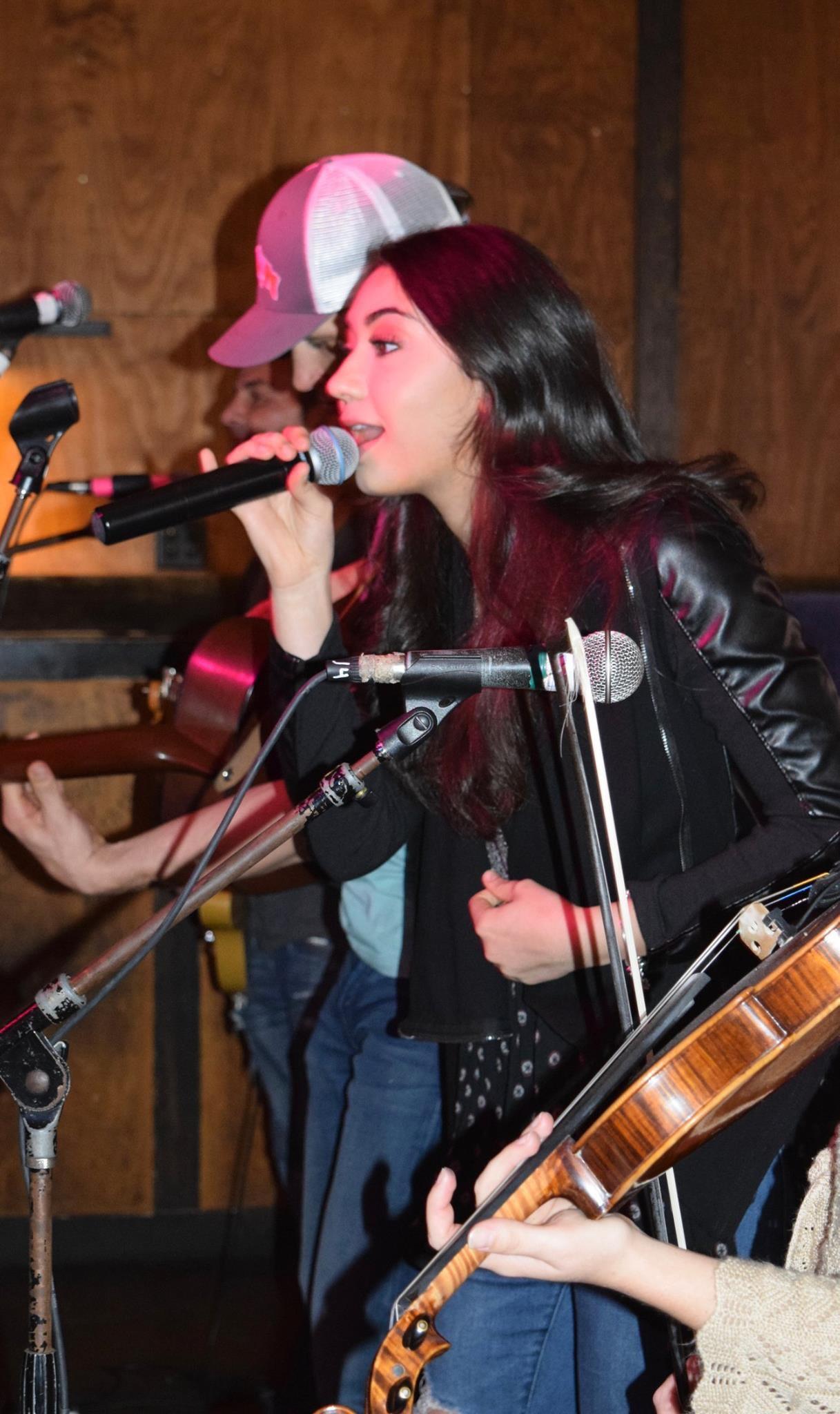 Brianna performing at Tootsies
