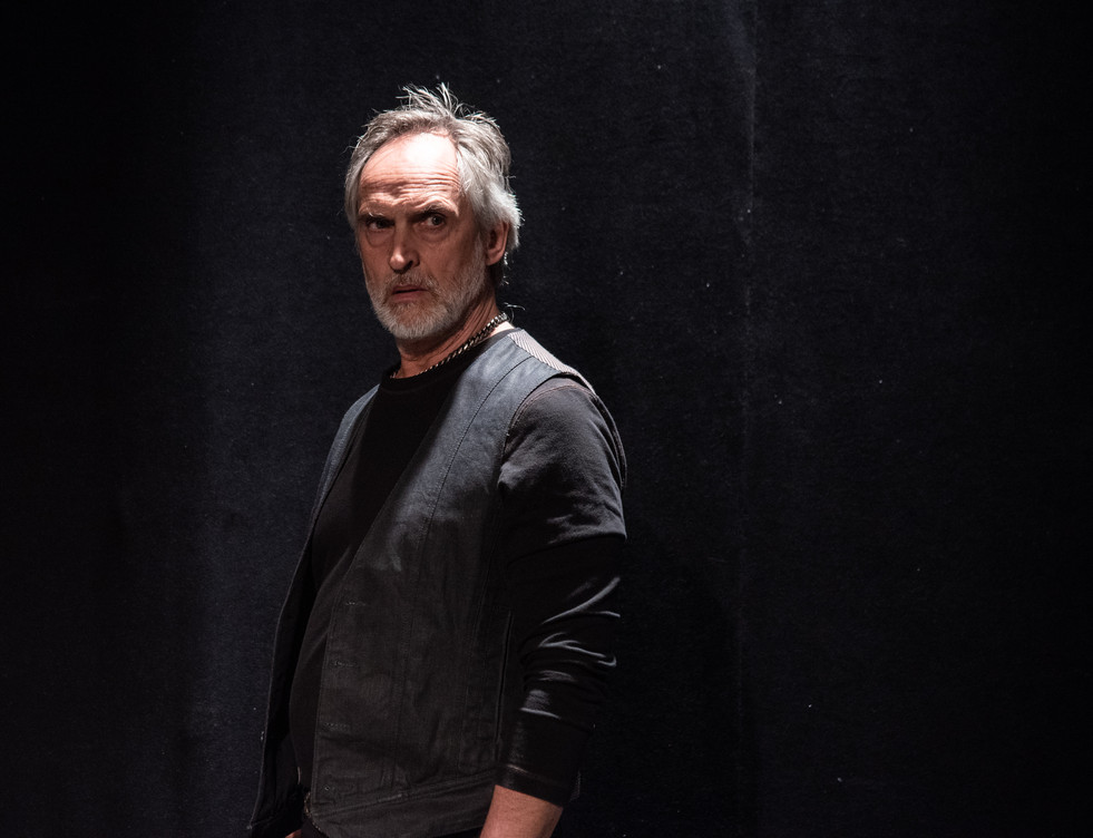 Theater-Photogtraphy-Hamlet-Isn't-Dead.j
