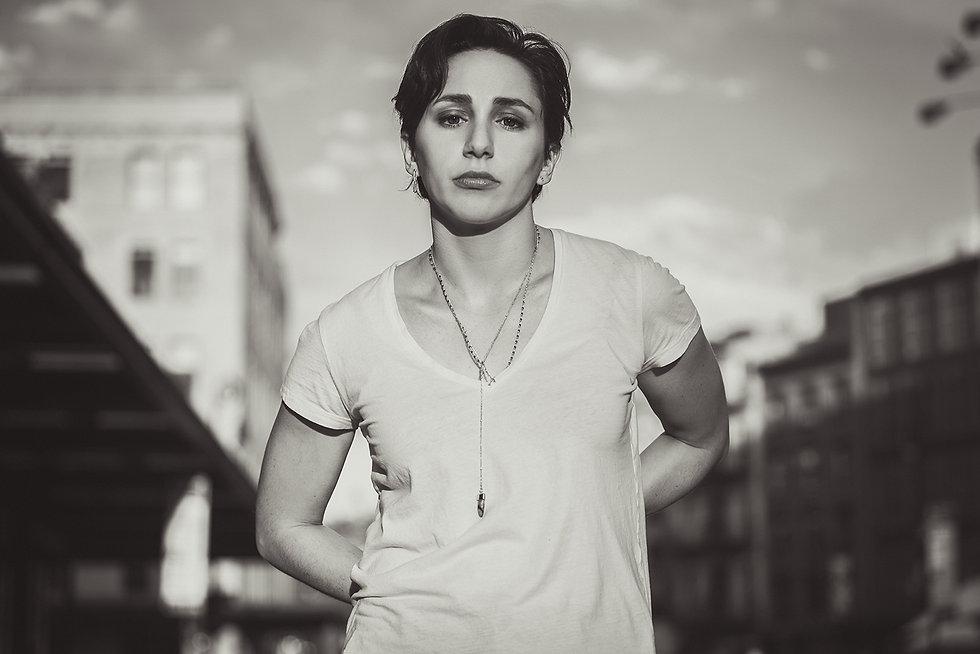 Lauren-Patten-Portrait-Jagged-Little-Pil