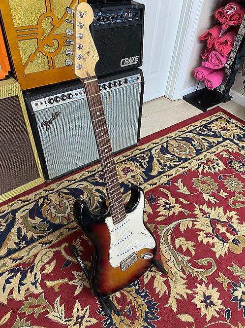 2004 Fender Highway One Stratocaster 3 Color Sunburst W/ OHSC