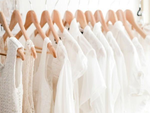 Recupera tus prendas blancas