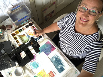 Jenny Gilchrist teaches watercolour art classes to adults online