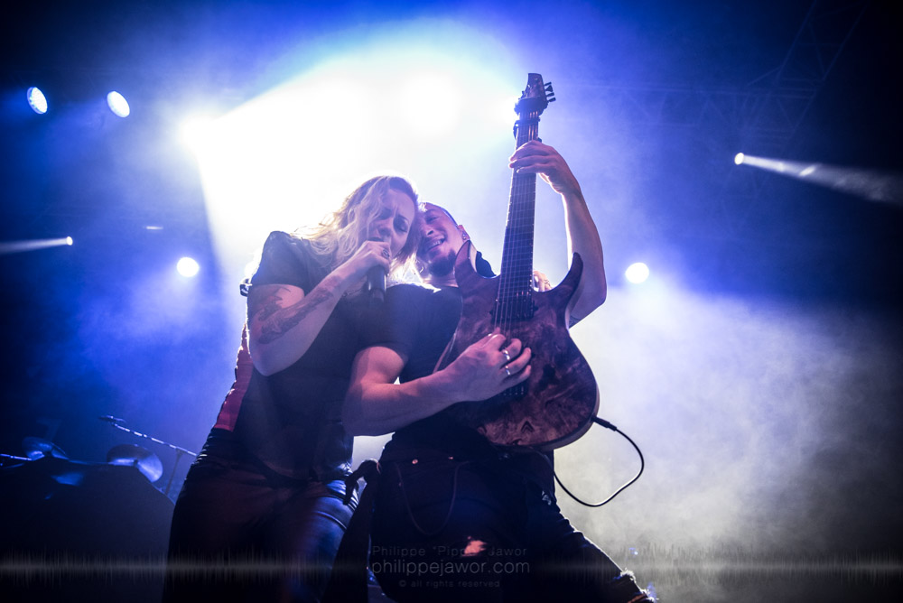 """Anneke van Giersbergen (left), lead singer, and Ferry Duijsens (right), guitarist of the Dutch progressive metal band Vuur live in Lyon, France, November 2017.  © Philippe """"Pippo"""" Jawor All rights reserved."""