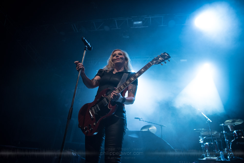 """Anneke van Giersbergen, lead singer of the Dutch progressive metal band Vuur live in Lyon, France, November 2017.  © Philippe """"Pippo"""" Jawor All rights reserved."""